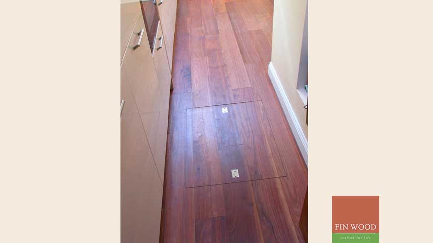 Access panel in wooden floors craftmanship 2