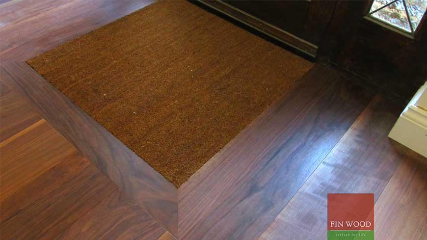 Integrated doormat in wooden flooring craftmanship 2