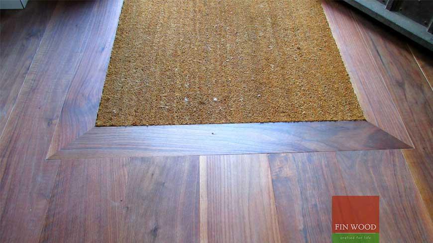 Integrated doormat in wooden flooring craftmanship 4